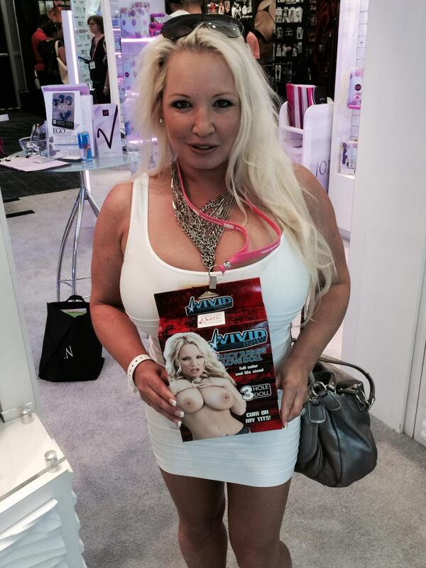 I had a great time at the #ANME appearing on and promoting the toy designed by