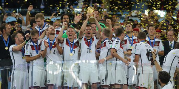 Copa foi o maior evento de mídia social já registrado de todos os tempos http://t.co/070J3PEjux http://t.co/xkntapFKe4 via @brasilpost #ds