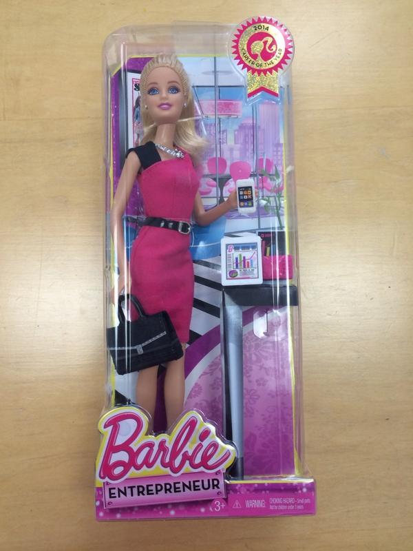 Yıllardır kızların beynini lüks ev kadını modeli ile yıkadıktan sonra Barbie nihayet girişimci iş kadını olmuş http://t.co/1Om9IwYCMV