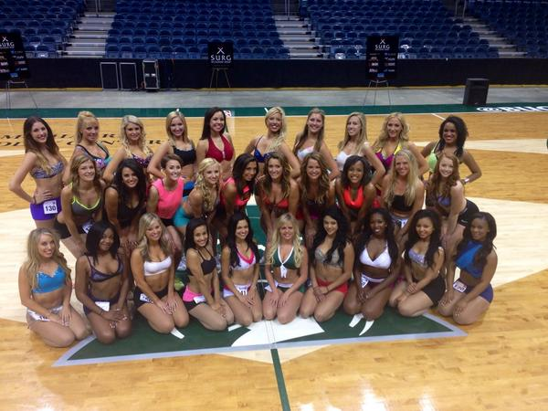 Congrats to our 2014-15 Milwaukee Bucks Dancers finalists! http://t.co/dVKNOwts5Q
