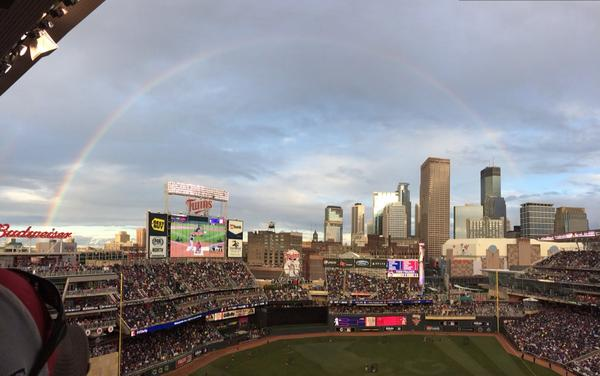 HUGE rainbow now over #hrderby: http://t.co/fosN2Ukt4Y