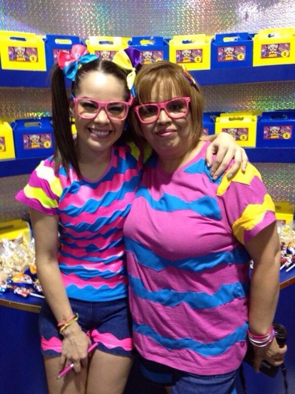 Maruca (@MarucaGalindo): Aqui mi mamá y yo...