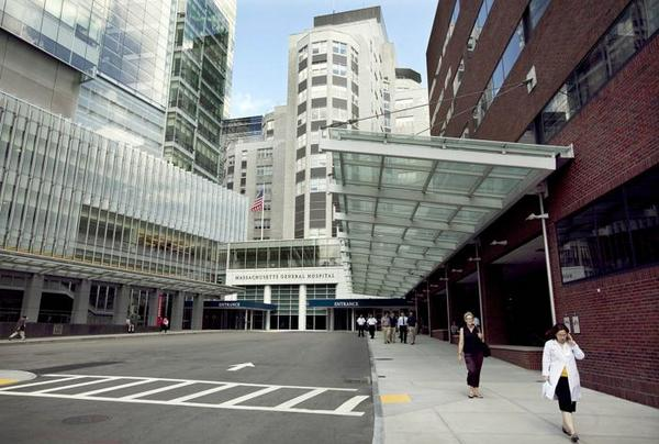 Boston hospitals @MassGeneral and @BrighamWomens in Top 10 on @USNews Honor Roll http://t.co/rgpbmlEHam #healthcare http://t.co/xJ8R7cwhZA