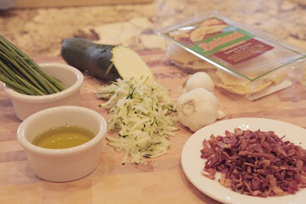 #TipTuesday Zucchini plays well w/ smoky flavors like pancetta, as well as parmesan & romano cheese, mint & oregano http://t.co/JCrFp3tYTN
