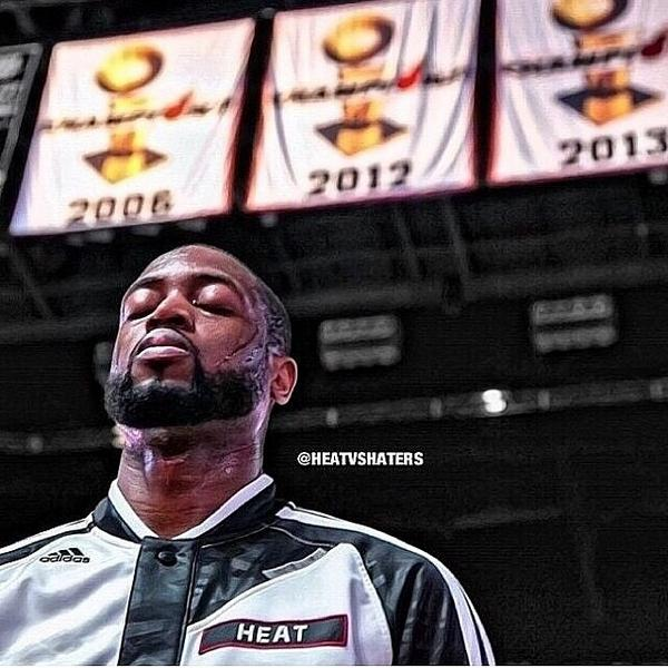 """""""Home Is Where The Heart Is... My Home, My City, My House."""" - @DwyaneWade #HEATNation #HEATlifer http://t.co/tbUQ1URTeu"""