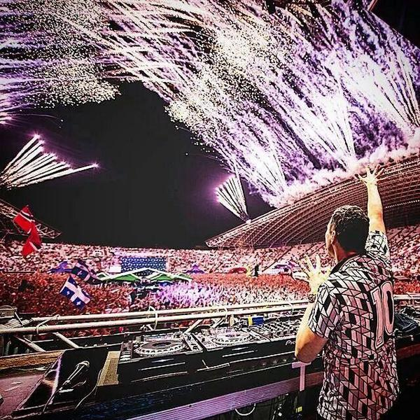 RT @PetarRM888: @tiesto Thank you,thank you,thank you for this. Best night in my life. #UltraEurope http://t.co/VQ6P5Otsqt