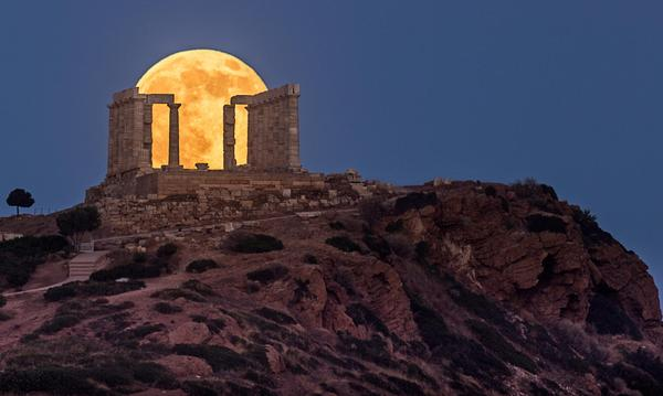 #Supermoon at the Temple of Poseidon #Greece #photography http://t.co/KmoF6XII9p