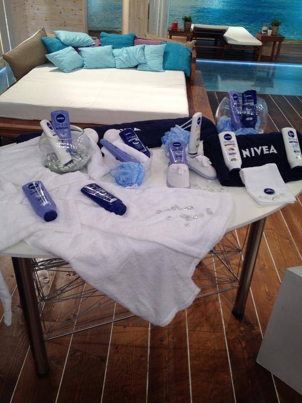 Katerina Kenourgiou (@katrinken): Κάντε RT και κερδίστε υπέροχα πακέτα προϊόντων #Nivea #KalokairiPantou @ALPHA_TV http://t.co/4yHfWcWpvs