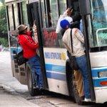 #CubaReal Despues de 45, al fin llego la guagua pero no entramos todos #Cuba http://t.co/cPHVGlxcYL
