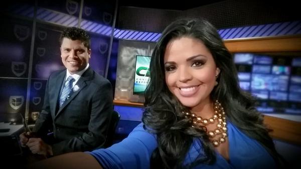 Carla Aranguren (@carladeportes): Estamos en vivo en Contacto Deportivo. Quien nos acompaña? @jorgedcalvo @UnivisionSports @UniMas http://t.co/C5jdTnn6RS