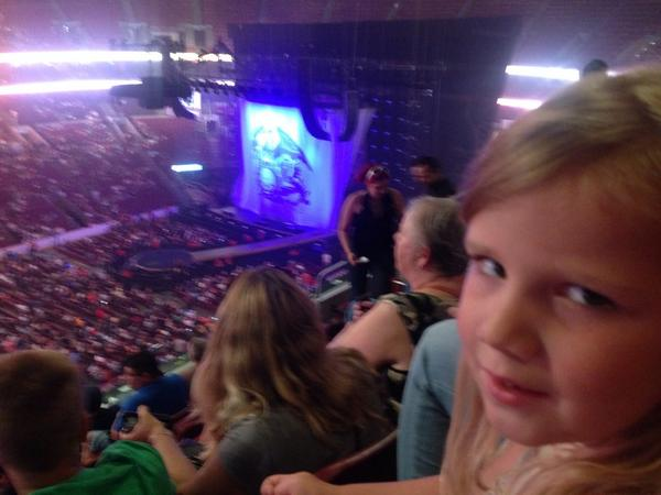 My girls are big @adamlambert fans so I brought them to Philly to see @adamlambert with Queen http://t.co/3a8F4Ov4mn