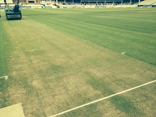 It's green!!! 'Bowlers breath a sigh if relief' #engvind http://t.co/5Fe0xluctb