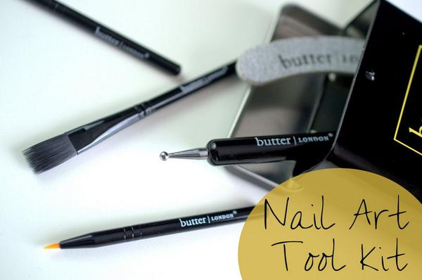 Ooooh, look at @butterLONDON's sweet little Nail Art Kit! http://t.co/vdCEN5HAjn http://t.co/EDyoV1c804