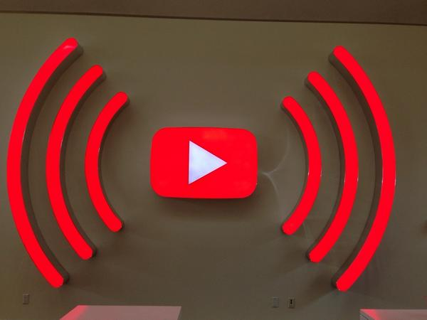 I'm at @YouTube HQ (San Bruno, CA) w/ 5 others http://t.co/oNcq1RPd3a http://t.co/pjL6lBBaCs