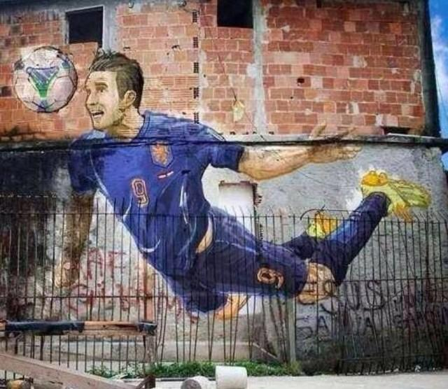 Im very honoured with this art piece in Brazil. Proud to be decorating a wall in Rio. Compliments to the artist!! http://t.co/R92UytWZAr