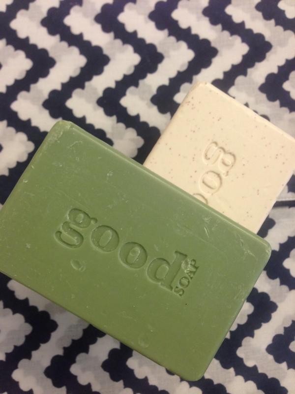 these big shea butter soaps from @AlaffiaSkinCare are $1 @WholeFoods this weekend!! $1! @LuckyMagazine http://t.co/0Mh2a3Bnqi