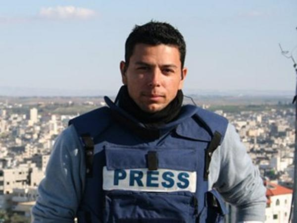 #LetAymanReport trends after NBC correspondent Ayman Mohyeldin reportedly pulled out of Gaza  http://t.co/GCTWRJ8GAJ http://t.co/rDD49jkuNy