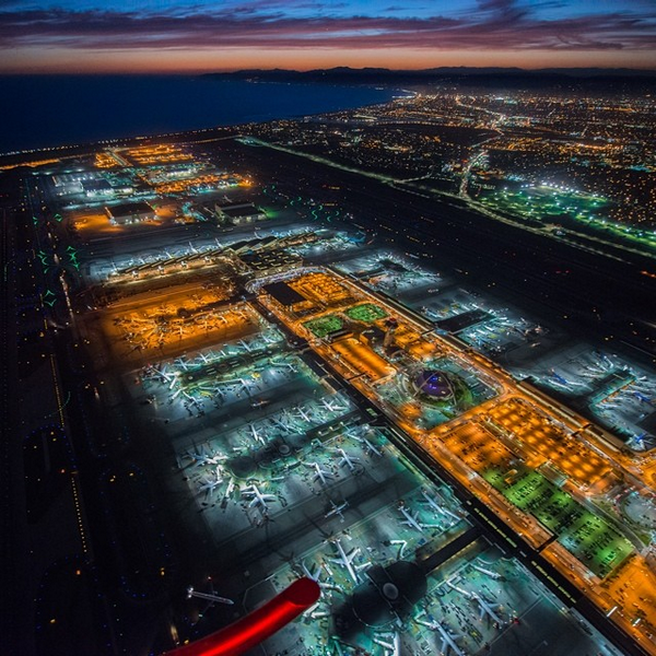 An electrifying view of LAX coming to life at night. Thanks Terry McLaughlin for the stunning shot! #LAXPhotoWeek http://t.co/YEZ6w812Jn