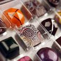#KC #FirstFridays are artistic and delicious: $1 @elbowchocolates pieces 5-9pm! http://t.co/Xyvgko2Sk7