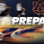Season may be a few months away but @coachbrucepearl and staff are making sure we are prepared http://t.co/hmjmZZxjJb