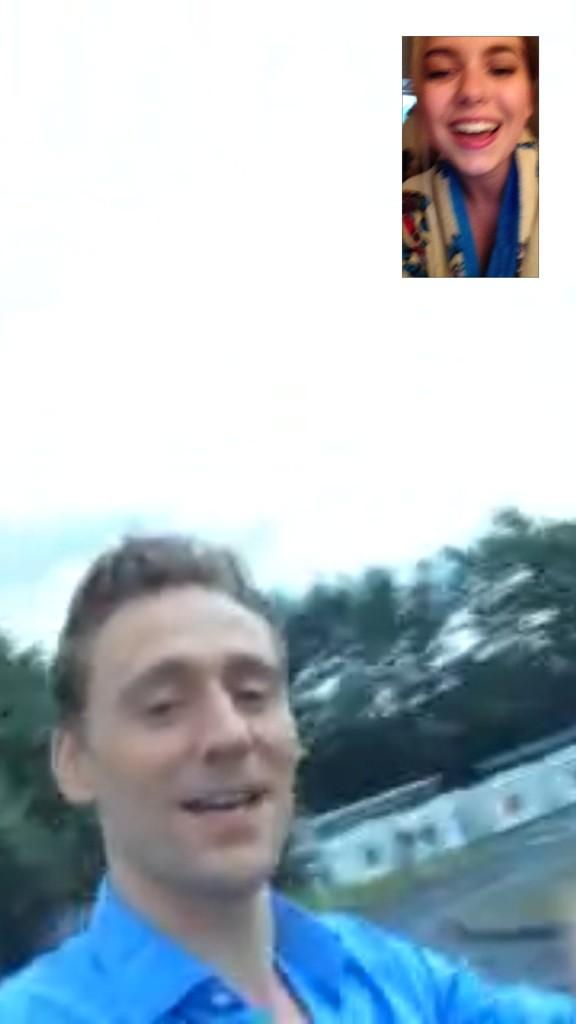 I JUST FRICKN FACETIMED WITH ToM FLAKKDKKAKSKSJDJJS PLEASSSSEEE http://t.co/4MUXdSJYF6