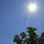 Health authorities issue heat advisory. http://t.co/UBiMEWUKPS http://t.co/Gxl9SB3ly0