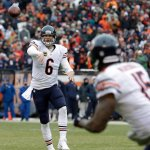 Will Jay Cutler lead the Bears to the Playoffs: #BearsGO OR #BearsNO? http://t.co/0I6xrZfZS6