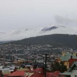 Hobarts Mt Wellington gets a dump of snow following severe weather http://t.co/XK1MVofnfG http://t.co/NLSQNhqTXi
