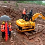 Rescue ops underway at the landslide spot in Bhimshankar,#Pune http://t.co/Vtt11zwM1o @PuneCityLife @AnilShiroleBJP