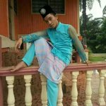 I dont always wear baju melayu, But when I do, I make sure it look like baju kebaya #Vyrec http://t.co/VuQqQAHZL9