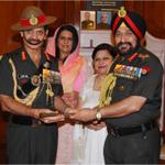 Indian Army's Change of Guard : Gen Bikram Singh handing over the Prized Baton to Gen Dalbir Singh. #COAS http://t.co/nFr7KqVNv5