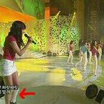 In 2009 fany fell after a performance of gee, injuring her left ankle but still continued to perform w soshi #ㅌㅍㄴㄴㅇㅈ http://t.co/lDvSAzMyWg