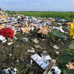 "RT @ChannelNewsAsia: Ukraine allows Netherlands and Australia to send ""armed personnel"" to secure #MH17 crash site http://t.co/s5PCWzgvE6 http://t.co/IxzmHtVUKX"