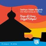 """RT @infobdg: """"Adzan Maghrib utk Wilayah Bandung & sekitarnya"""", sok atuh enggal netepan :) http://t.co/AE9RfkBFb9"""