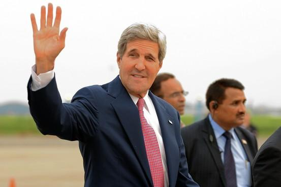 Why is Kerry in India as crises rage worldwide? 3 reasons: (AFP/Getty) vía @WSJ