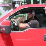 Jonny Gomes gives thumbs up to cameras as he leaves Fenway Park for final time. #RedSox #TradeDeadline http://t.co/WL5DyUdK0q