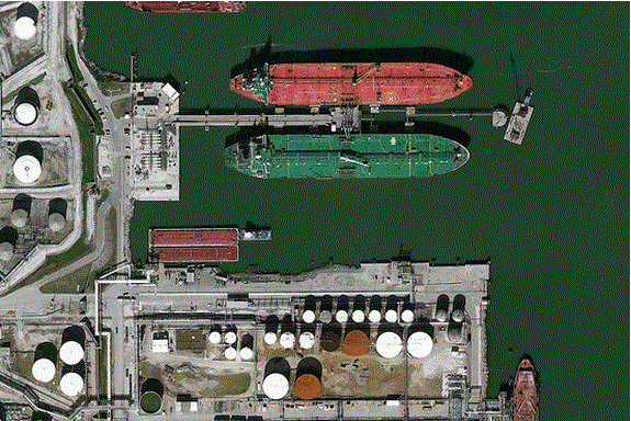 See that green tanker? Today it became the first ship to export U.S. oil in nearly 40 years. http://t.co/VVzmy4t8ub http://t.co/vXyhUCtQti