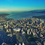 RT @tlupick: Goodlookin city. mt @TrishJewison Good morning #Vancouver! Beautiful flight over #YVR in @GlobalBC 1 traffic copter. http://t.co/H8huJFWCEs