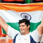 RT @DDNational: Indias Vikas Gowda wins GOLD in mens discuss throw. #CWG2014 #Glasgow2014 http://t.co/zQIgHFFqn5