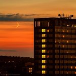 RT @timcornbill: New moon over #Birmingham last night #Brumset http://t.co/U6iiWTYURU