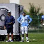 #Titans simulated crowd noise today using really big speakers http://t.co/6RBy8LY1CY http://t.co/cGIPR5uZwR