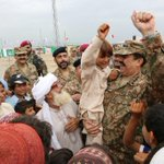 RT @AsimBajwaISPR: #ZarbeAzb:On Eid, Gen #Raheel visited IDP Camp,found them in high spirit.Join hands to #helpidps http://t.co/u6qrRjOqq6