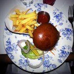 RT @StreetEatsLDN: @VillageEastSE1 Prettiest #crab #burger WEVE ever seen... Blog to follow guys ;) #London http://t.co/gJY4nmUXWB