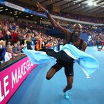 Watch Botswanas Nijel Amos out-sprinting @rudishadavid to #Glasgow2014 gold http://t.co/J0Np110VQ6 (UK users only) http://t.co/Lr855t18dL