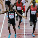 HES HUMAN! David Rudisha is BEATEN in Commonwealth 800m final, by young Nijel Amos, Olympic runner-up. http://t.co/x8KOw2myXm