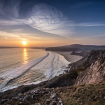 Even more gorgeous South West Wales sunset pictures sent in by you http://t.co/ihz5RvaL9U http://t.co/zrUr0ews6S