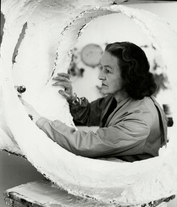 Hurray for #Yorkshire artist greats #Hepworth & #Moore! #HappyYorkshireDay everyone. #Ysculpture http://t.co/8iMkZZ7INQ