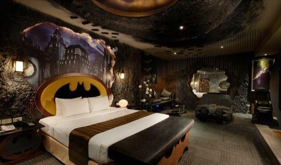 There is a Batman themed hotel in Taiwan! http://t.co/tLRq5PSZ5n