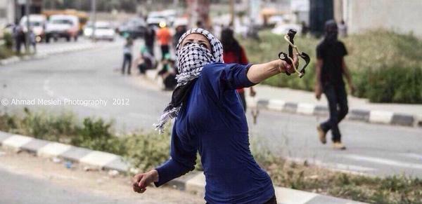 وهناك إمرأة عن ألف رجل! #غزة #فلسطين http://t.co/zV33bpmzlr
