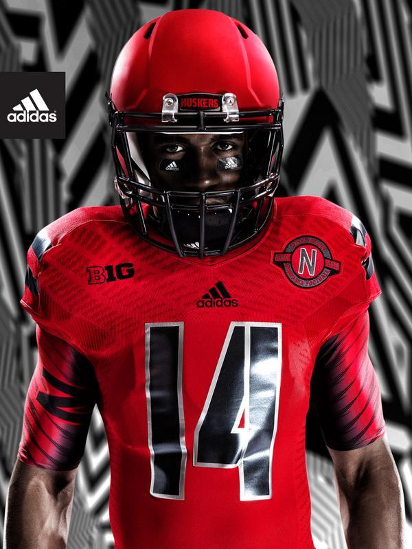 Nebraska's alternate uniforms for Illinois game #Huskers http://t.co/Ab6GSBqhvW http://t.co/iBzJygOlhj